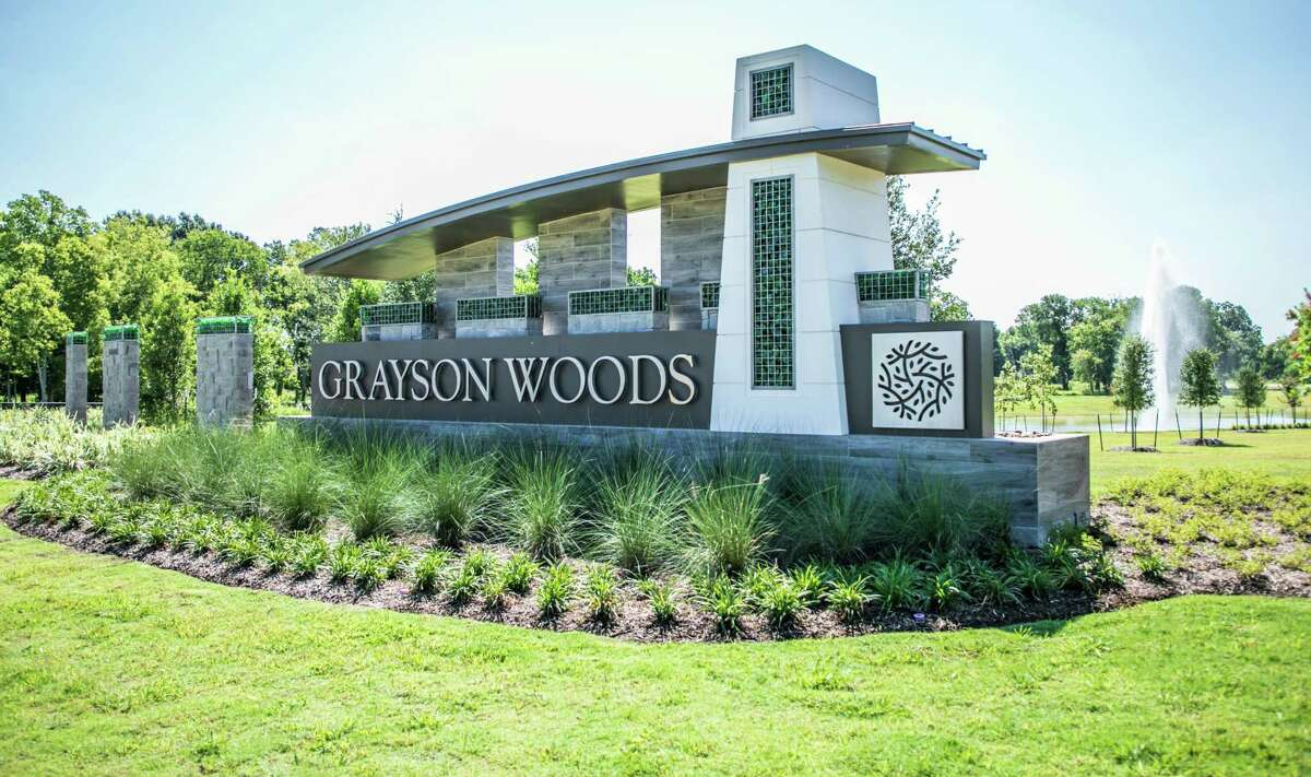 Developed by Hines, Grayson Woods sits along the scenic Buffalo Bayou and features 180 homesites with roughly 50 acres designated as a nature preserve, including wooded forests, winding nature trails, community lakes, scenic overlooks, and more.