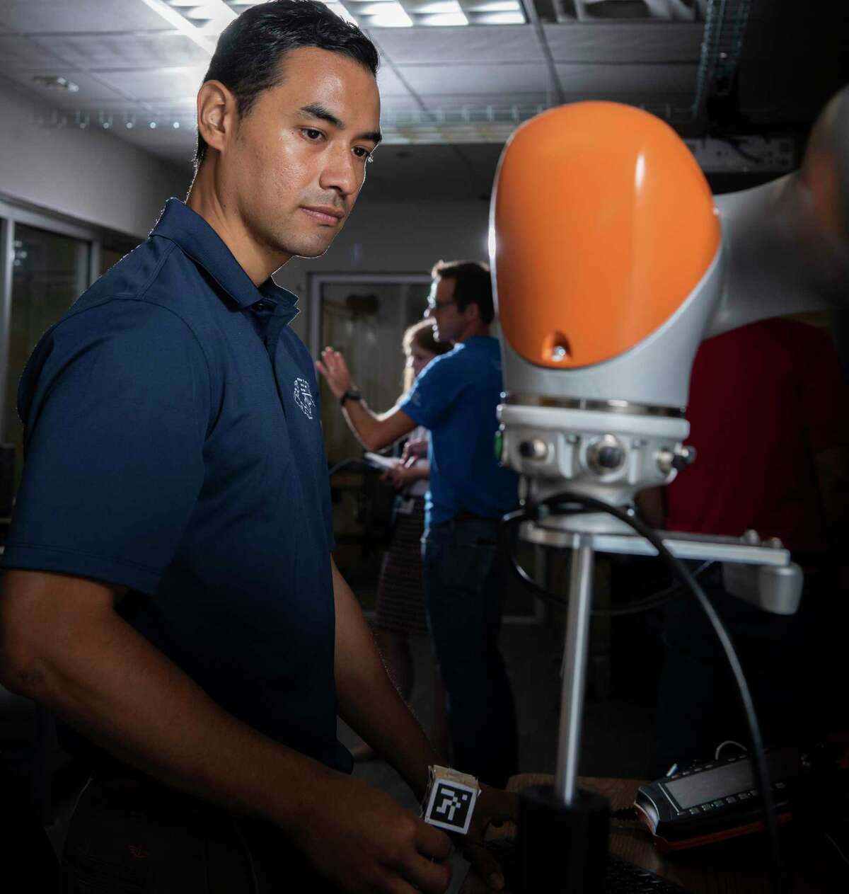 Jorge Nicho a research engineer at controls a