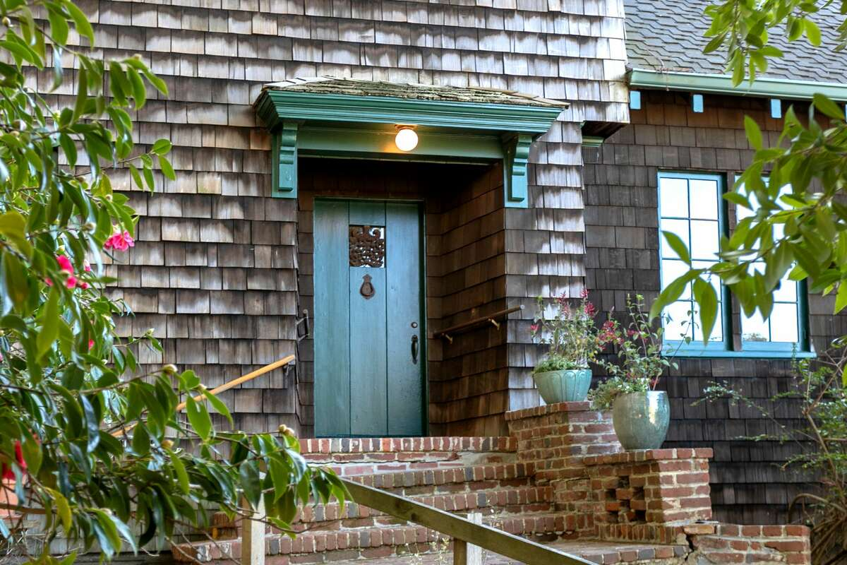 With the romance of old Berkeley, this preserved 1920s Craftsman is for sale at $1.750M