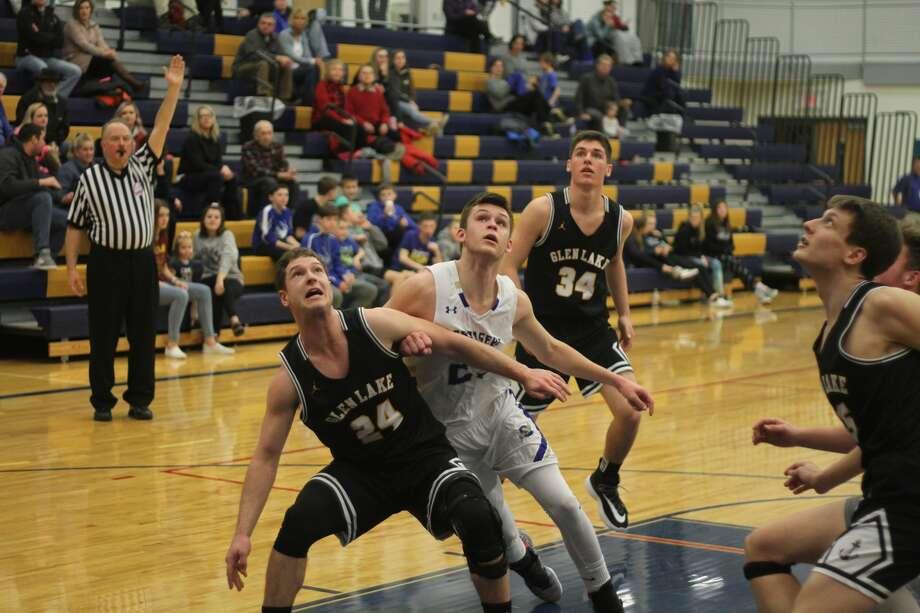 The Onekama boys basketball team fell to Pentwater on Friday, Feb. 14, 2020. Photo: Kyle Kotecki/News Advocate