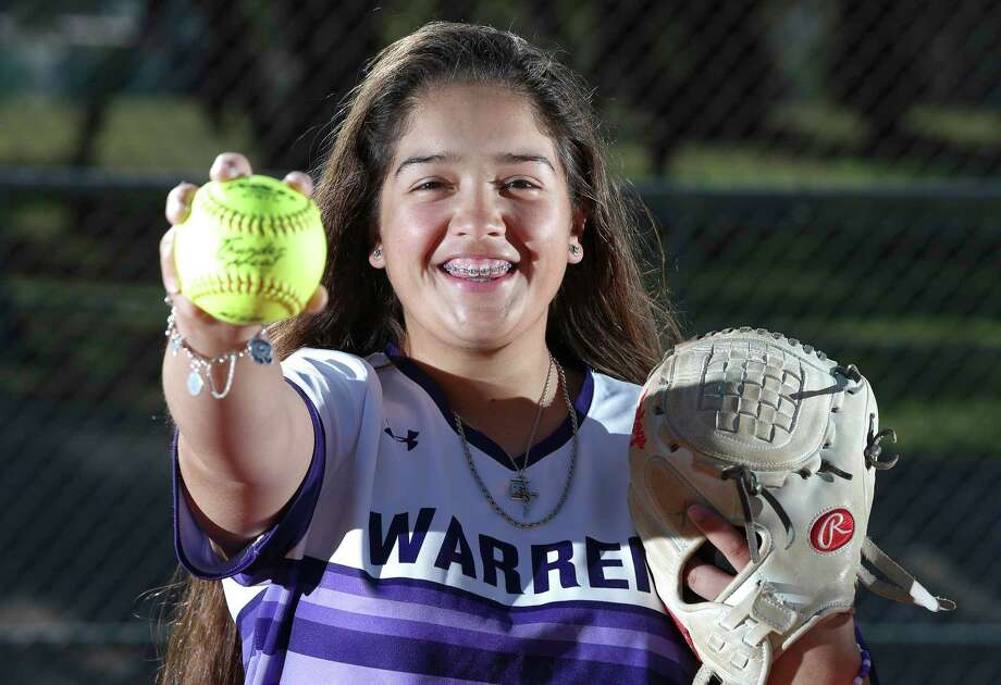 Warren High School softball pitcher Annika Litterio is the area's top returning pitcher. Litter, a junior pitcher for the Warriors, has committed to UTEP. Photo: Kin Man Hui /Staff Photographer / **MANDATORY CREDIT FOR PHOTOGRAPHER AND SAN ANTONIO EXPRESS-NEWS/NO SALES/MAGS OUT/ TV OUT