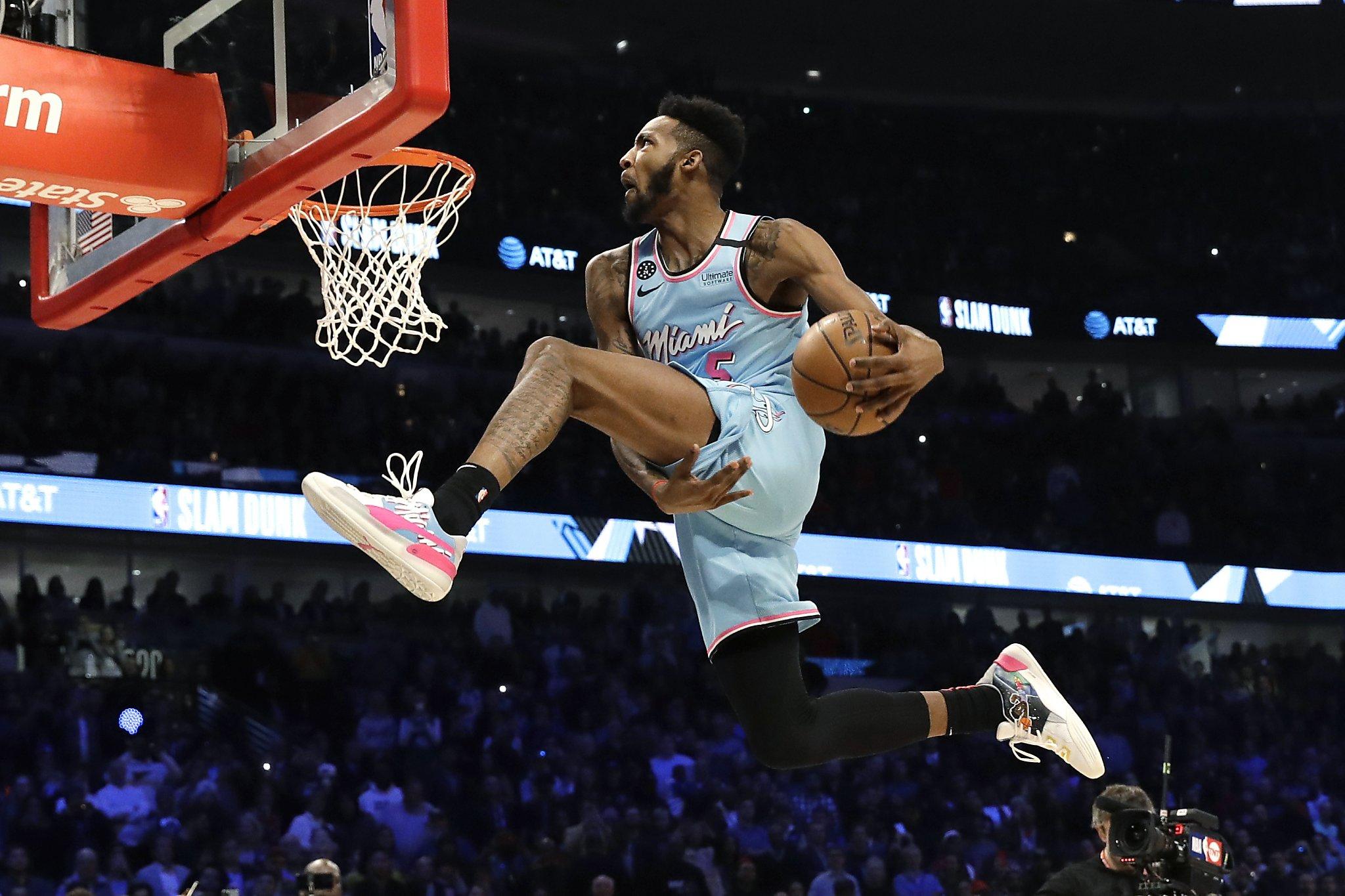 Derrick Jones Jr. tops Aaron Gordon for dunk crown on All-Star Saturday