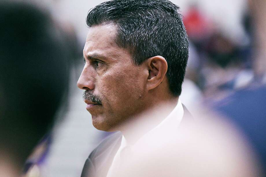Alexander head coach Luis Valdez wants to play 27 games this season. However, getting to that number might be hard. Photo: Cuate Santos /Laredo Morning Times File / Laredo Morning Times