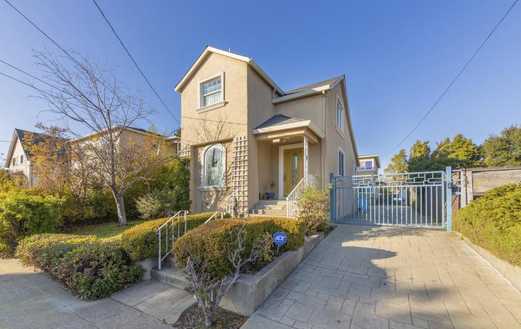 Two homes on single lot open Sunday in Berkeley