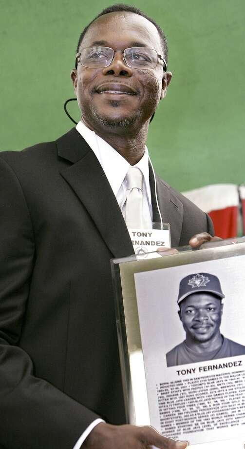 Tony Fernandez died of compli- cations from kidney disease. Photo: Ken Wightman / Associated Press