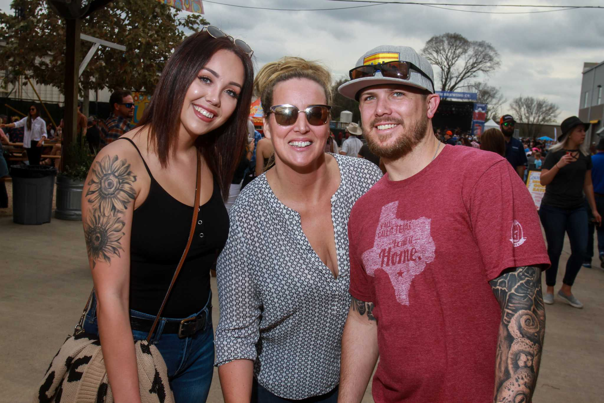 Karbach's Rodeo Clown Roundup brings out country music fans