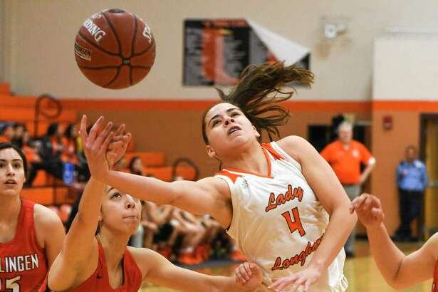 Evelyn Quiroz and the Lady Longhorns open postseason play at 7 p.m. Monday against Nikki Rowe in Roma.