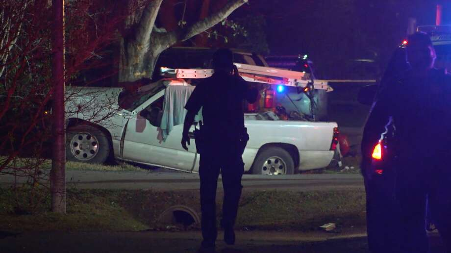 Houston police officers investigate a deadly crash in the 5300 block of Mackinaw Road on Sunday, Feb. 16, 2020. Photo: OnScene.TV