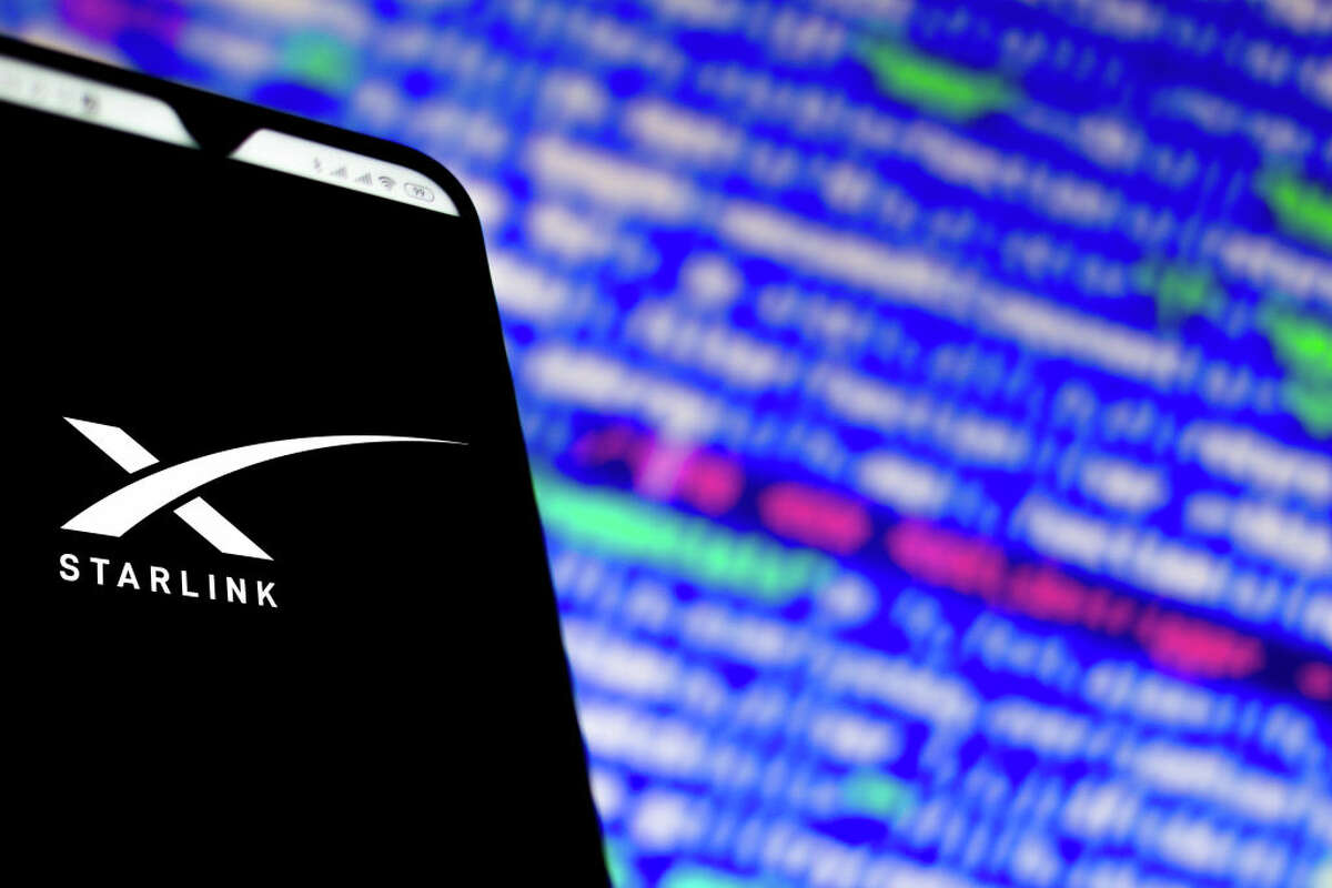 BRAZIL - 2020/02/15: In this photo illustration a Starlink (SpaceX) logo app seen displayed on a smartphone. (Photo Illustration by Rafael Henrique/SOPA Images/LightRocket via Getty Images)