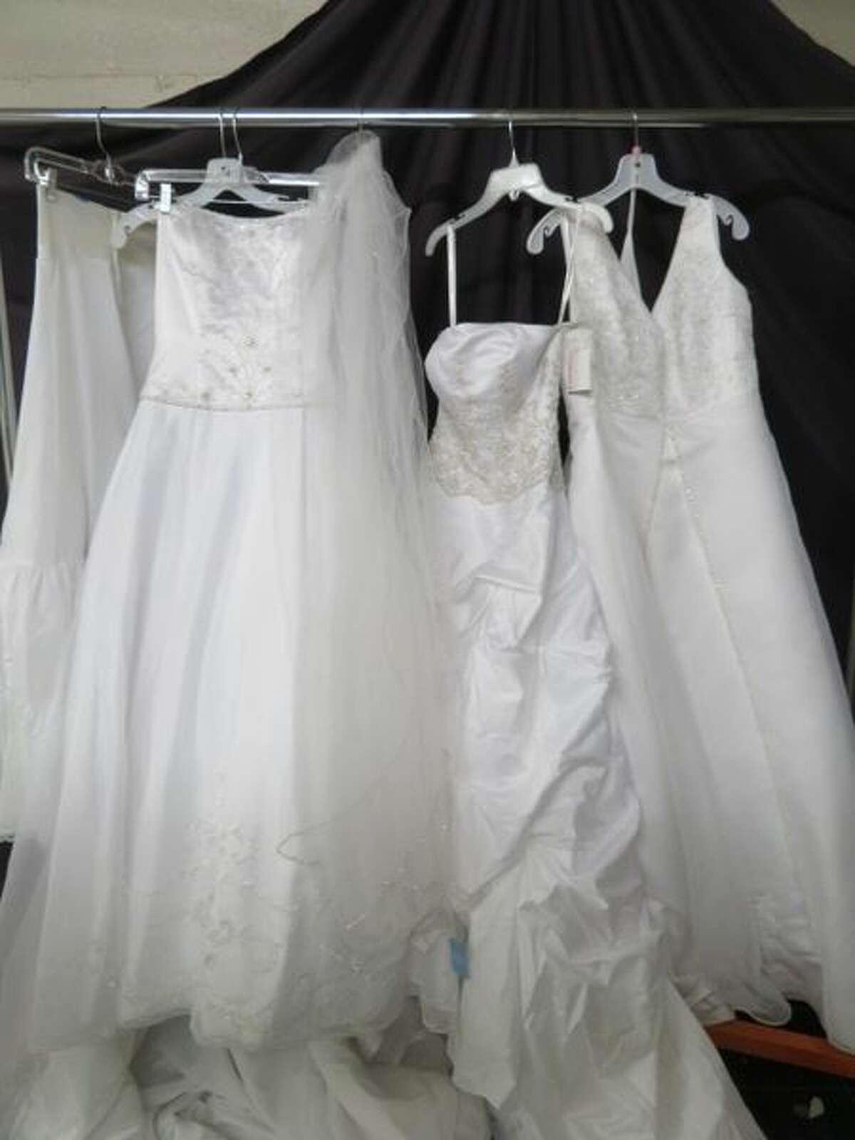 Wedding Dresses Grab Lot #14 Current Price: $52.00