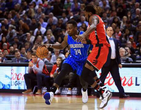 Journeymen forwards Jeff Green (left) and DeMarre Carroll, seen here in 2017, are expected to finalize agreements with the Rockets on Tuesday.