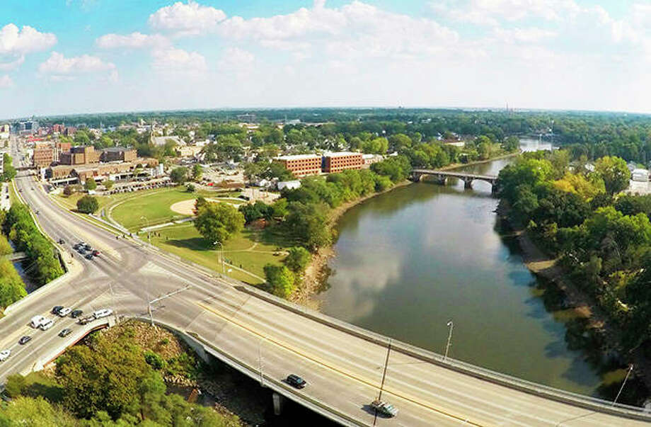 A citizen-initiated referendum seeking to extend a taxing district along the Kankakee River — mainly to deal with flooding issues — is on the March primary ballot. Photo: Jim Dewey | Daily Journal (AP)