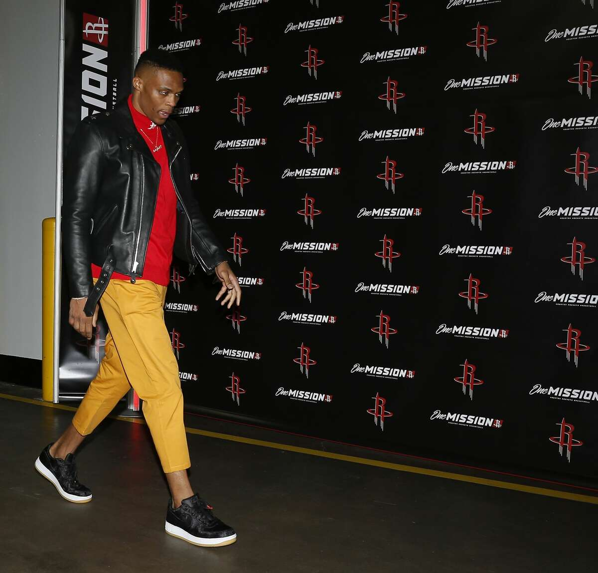 HOUSTON, TEXAS - NOVEMBER 15: Russell Westbrook #0 of the Houston Rockets arrives at Toyota Center before playing the Indiana Pacers on November 15, 2019 in Houston, Texas. NOTE TO USER: User expressly acknowledges and agrees that, by downloading and/or using this photograph, user is consenting to the terms and conditions of the Getty Images License Agreement. (Photo by Bob Levey/Getty Images)