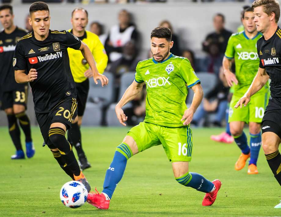 The Sounders have re-signed Alex Roldan. Photo: Shaun Clark/Getty Images / 2018 Shaun Clark