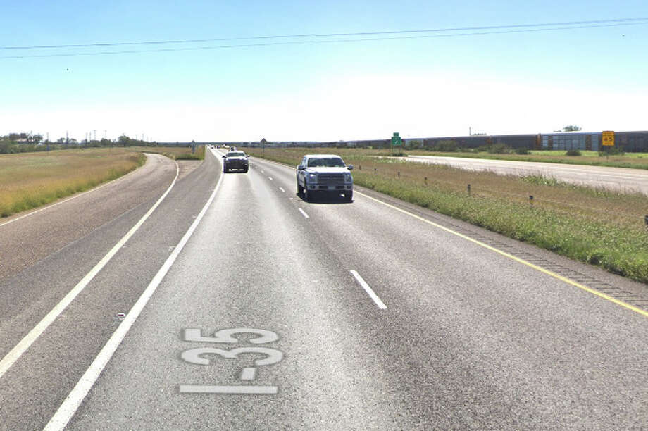 The crash was reported at about 5:34 p.m. on mile marker 29 of the southbound lane of I-35. Photo: Google Maps/Street View