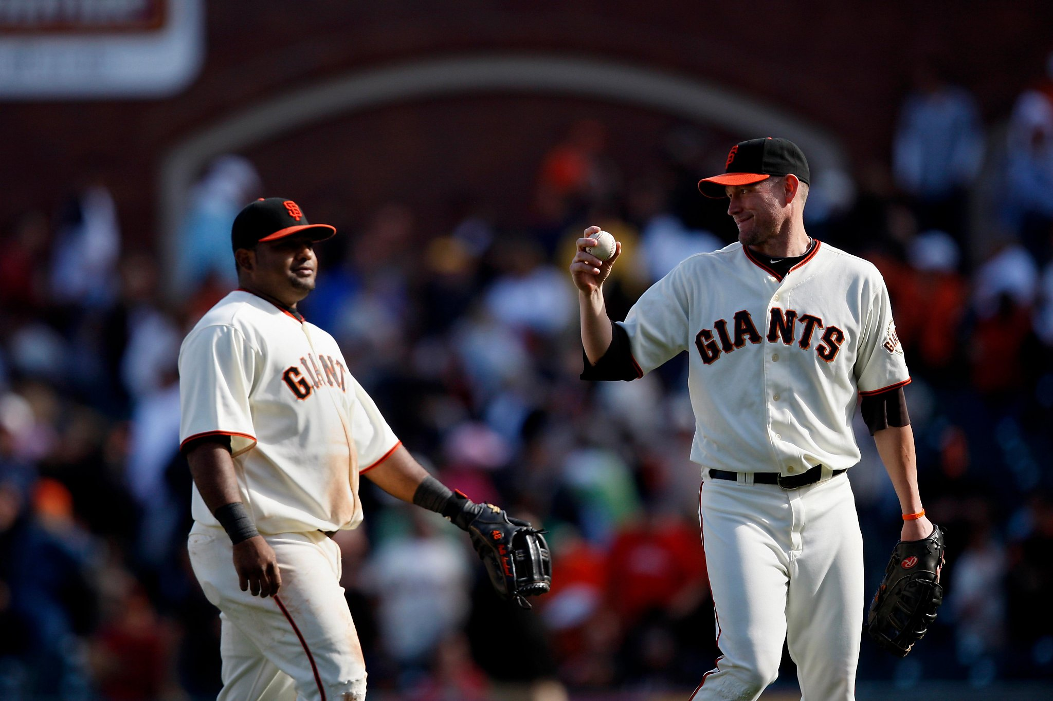 Giants' Pablo Sandoval 'won't be sad' Aubrey Huff is excluded from 2010 reunion