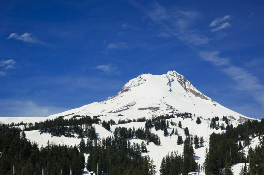 FILE - A view of Mount Hood in Oregon from the parking lot of Mount Hood Meadows ski resort. Photo: Kativ/Getty Images/iStockphoto