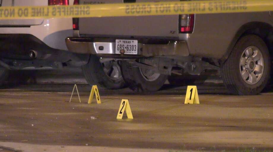 Harris County sheriff's deputies investigate a deadly shooting at the intersection of Mira Colina and Rio Torcido on Tuesday, Feb. 18, 2020. Photo: OnScene.TV