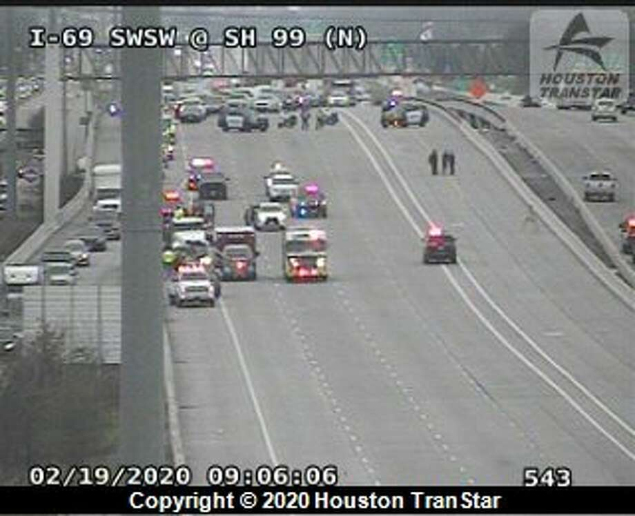 Sugar Land police close all northbound lanes of U.S. 59 near Grand Parkway for a deadly wreck Wednesday, Feb. 18, 2020. Photo: Houston TranStar