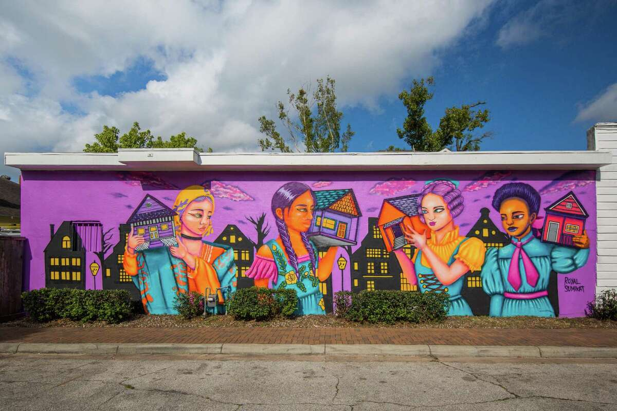 Artist ROyal Sumikat's new mural for the Houston Arts District,