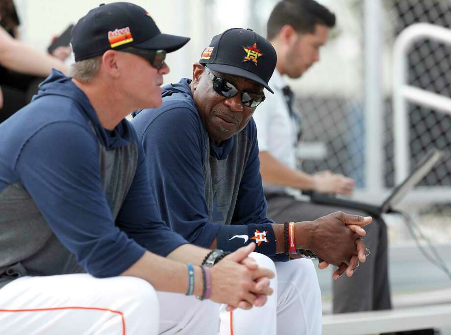 Houston Astros manager Dusty Baker Jr. talks with former Astros second baseman and Hall of Famer Craig Biggio while they watched Josh James pitch a live batting practice during the Houston Astros spring training workouts at the Fitteam Ballpark of The Palm Beaches, in West Palm Beach , Wednesday, Feb. 19, 2020. Photo: Karen Warren, Staff Photographer / © 2020 Houston Chronicle