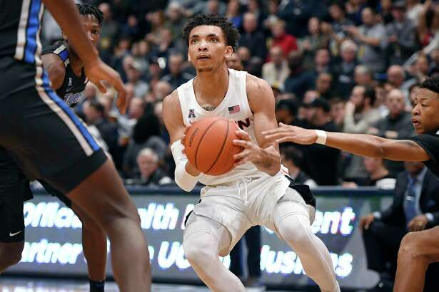 UConn's James Bouknight was named the AAC Freshman of the Week for the second time this season.
