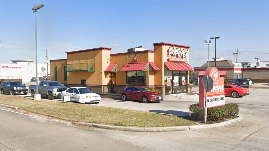 A deputy with the Harris County Pct. 4 Constable's Office shot a suspect who pulled out a knife at a Popeyes in the 20000 block of Holzworth in Spring, authorities say. Photo: Google Maps