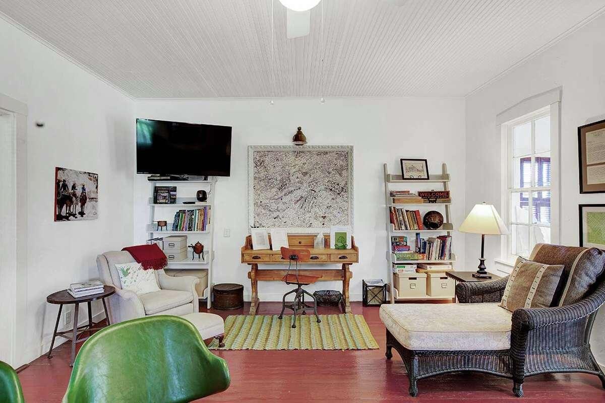 Property: Flagstone Sunday House, Fredericksburg, TX Sleeps: 4 guests Average Price per person: $145