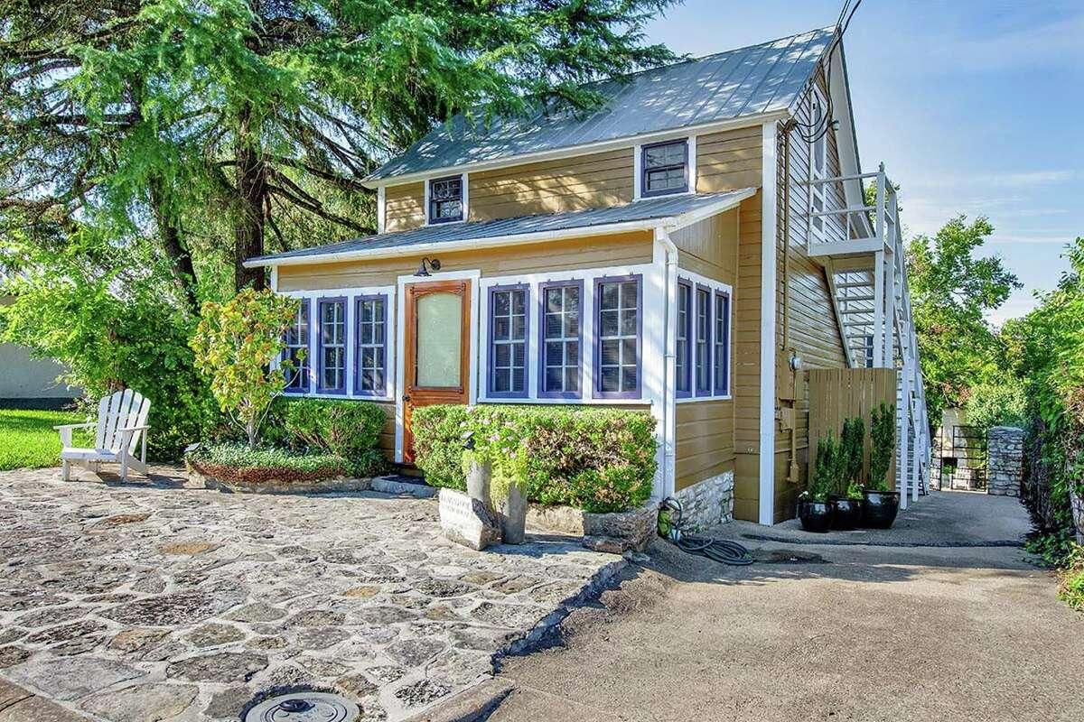 Property: Flagstone Sunday House,Fredericksburg, TX Sleeps: 4 guests Average Price per person: $145