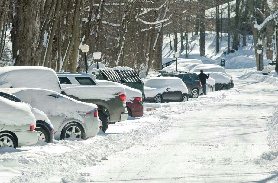 Fox Hill condominium complex in Ridgefield. Sunday, Jan. 24, 2016 Photo: Scott Mullin / For The / The News-Times Freelance