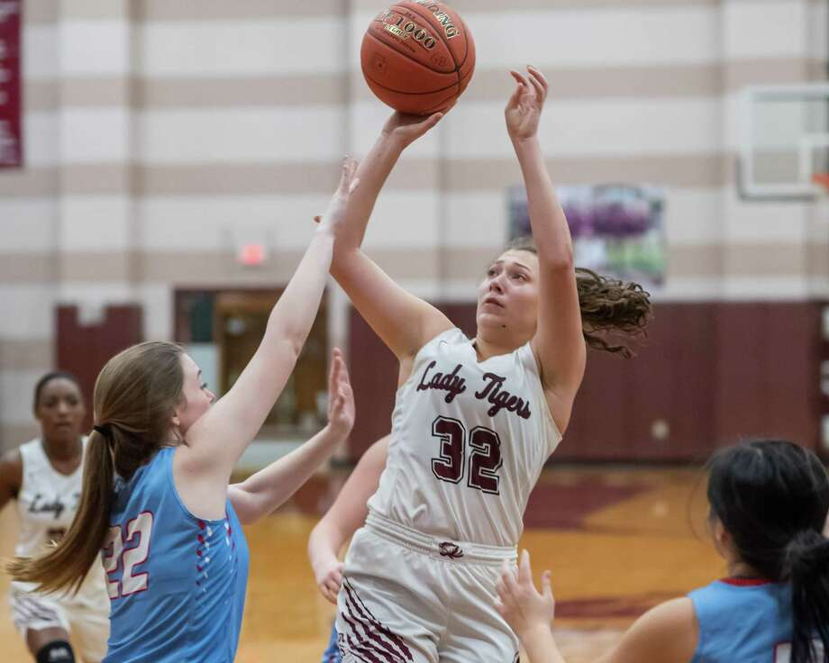 Emily Williamson (32) puts up a shot in the first half as the Lady Tigers of Silsbee defeated the Lady Raiders of Lumberton on January 24, 2020. Fran Ruchalski/The Enterprise Photo: Fran Ruchalski/The Enterprise / 2019 The Beaumont Enterprise