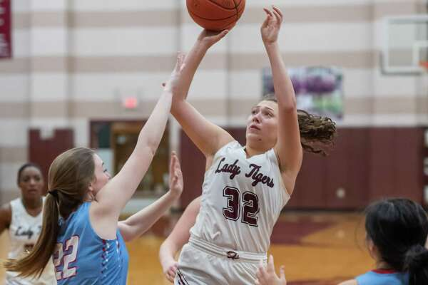 Emily Williamson (32) puts up a shot in the first half as the Lady Tigers of Silsbee defeated the Lady Raiders of Lumberton on January 24, 2020. Fran Ruchalski/The Enterprise