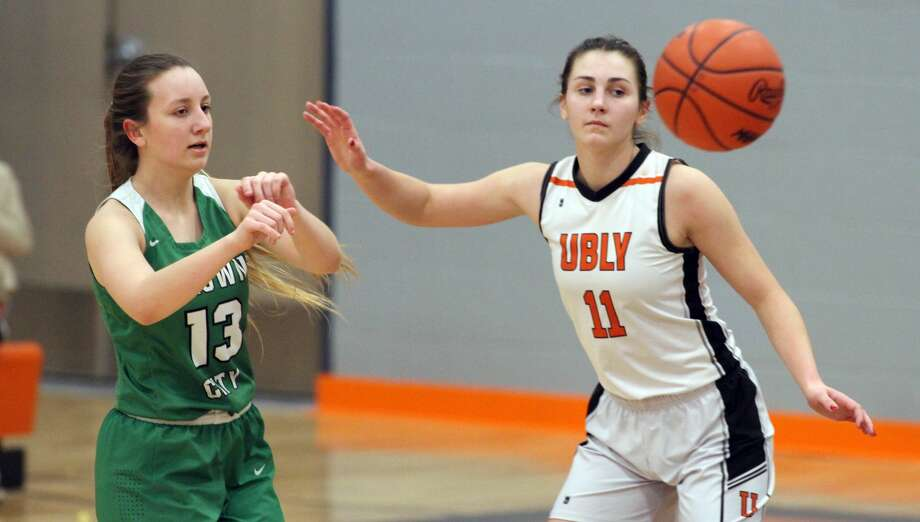 The Ubly girls basketball team claimed an outright league championship with a 50-24 victory over Brown City on Thursday, Feb. 20. Photo: Eric Rutter/Huron Daily Tribune