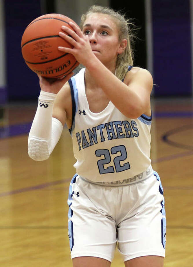 Jersey's Clare Breden scored 14 points to lead her team in Thursday's loss to Highland in the title game of the Jersey Class 3A Regional at Havens Gym in Jerseyville. Photo: Greg Shashack / The Telegraph