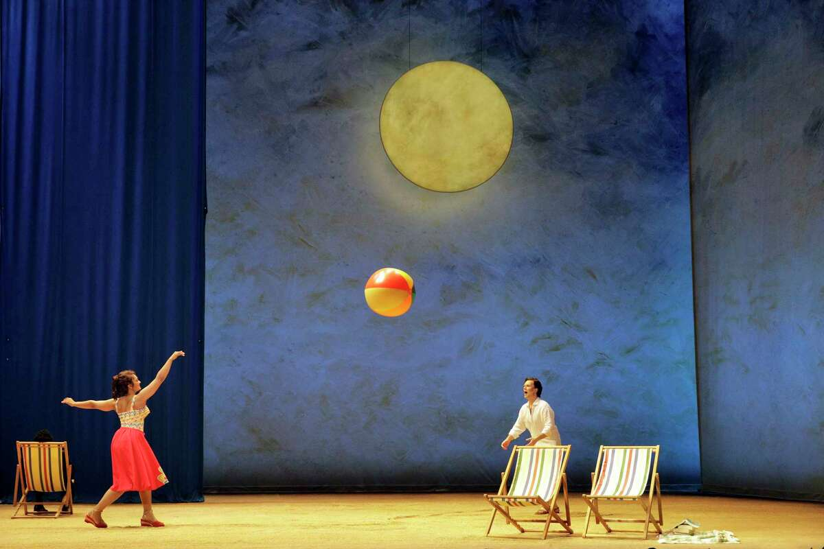 Danielle de Niese as Eurydice and Joshua Hopkins as Orpheus in LA Opera's world premiere of