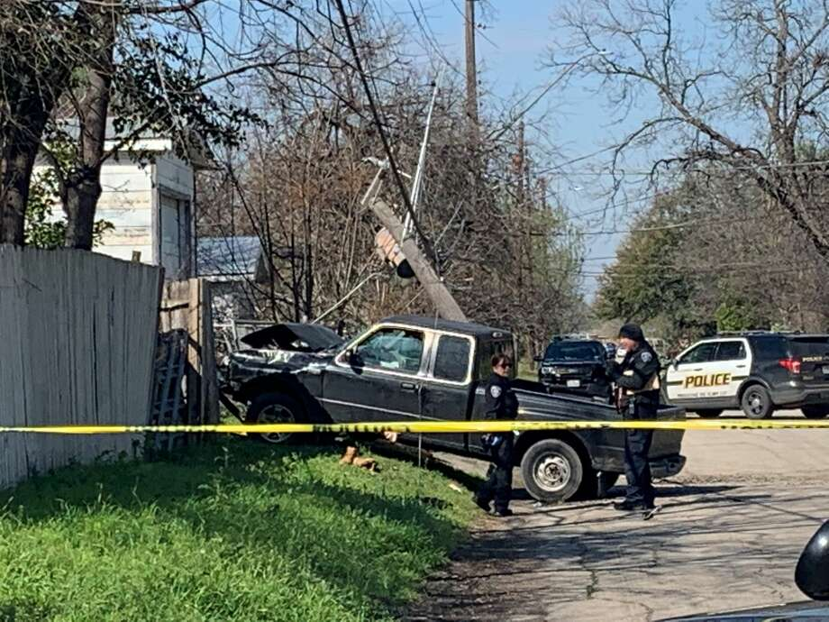 The San Antonio Police Department is investigating a shooting that occurred around 10 a.m. Friday morning in the 200 block of Darby Boulevard. Photo: Taylor Pettaway