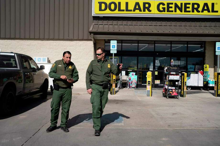Border Patrol agents look for traces of three men they suspected of smuggling narcotics near Marfa, Texas on January 29, 2020. - Agents in the Big Bend Border Patrol Sector employ tracking techniques and spend a lot of time on foot and on horseback to pursue smugglers, and drug or human traffickers through the remote terrain of West Texas. (Photo by Paul Ratje / AFP) (Photo by PAUL RATJE/AFP via Getty Images) Photo: PAUL RATJE, Contributor / AFP Via Getty Images / AFP or licensors