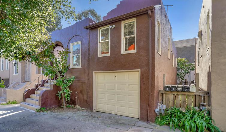 Two-bedroom Spanish bungalow near Sausal Creek open Sunday in Oakland