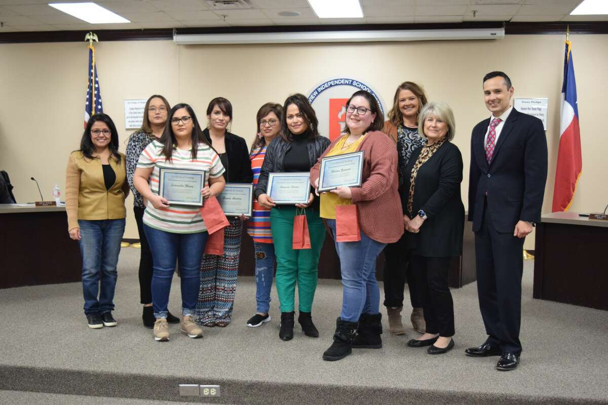 A group of volunteer parents who are part of the Language Proficiency Assessment Committee (LPAC) are recognized Thursday night during the Plainview ISD School Board meeting. Pictured: (R-L) JoAnn Rey, Sofia Rivera (both school board members), Samantha Munoz, Brenda Alvidrez, Board president Sylvia De La Garza, Azusena Ibarra, Melina Zermeno, and board members Amber Bass and Cheryl Dickerson, and Superintendent H.T. Sanchez