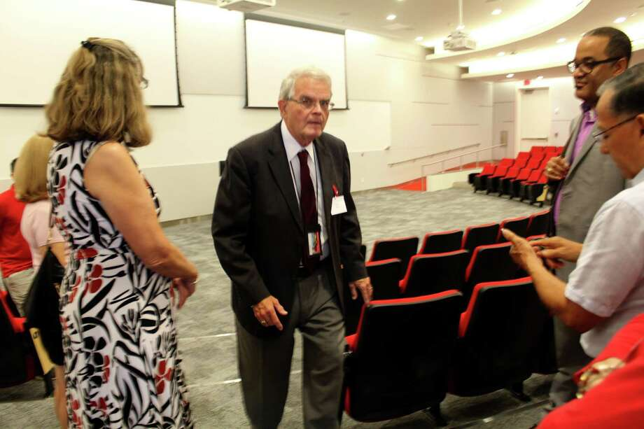 The University of Houston Sugar Land campus offers 11 graduate degree programs and two doctoral degree programs. A university official leads guests on a tour of the new UH Sugar Land College of Technology building on Thursday, Sept. 12 Photo: Kristi Nix