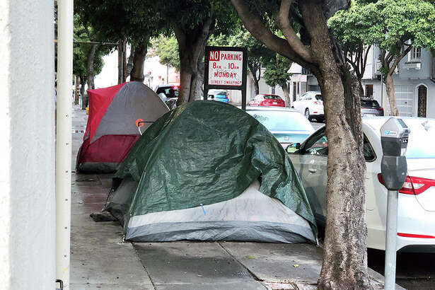 Homeless encampments on 14th Street. | Photo: Teresa Hammerl/Hoodline