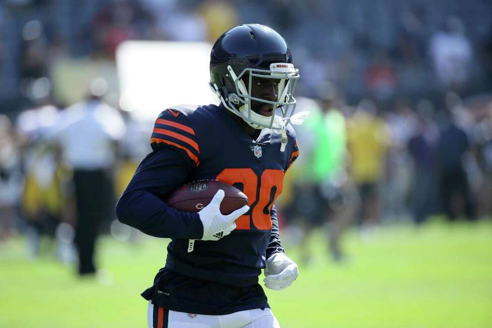 CHICAGO, IL - SEPTEMBER 24: Prince Amukamara #20 of the Chicago Bears warms up prior to the game against the Pittsburgh Steelers at Soldier Field on September 24, 2017 in Chicago, Illinois. (Photo by Jonathan Daniel/Getty Images) ORG XMIT: 700070637
