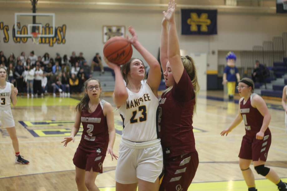 The Manistee girls basketball team topped Orchard View on Friday, Feb. 21, 2020. Photo: Kyle Kotecki/News Advocate