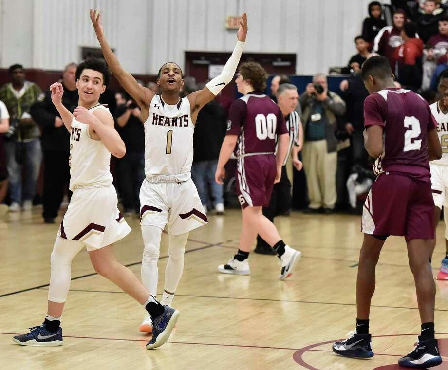 Waterbury, Connecticut - February 21, 2020: Sacred Heart High School of Waterbury vs. Naugatuck High School boys basketball Friday evening at Sacred Heart H.S. Sacred Heart H.S. defeated Naugatuck H.S. 67-62. Photo: Peter Hvizdak / Hearst Connecticut Media / New Haven Register