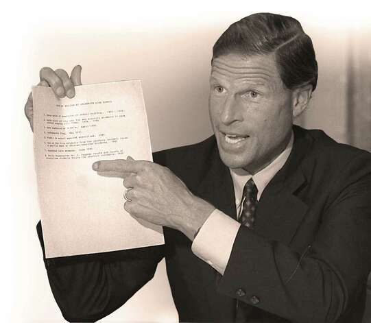 7-24-95, ARMSTRONG COURT, Connecticut Attorney General Richard Blumenthal points to a list of recent racial incidents at Greenwich High School during a meeting organized by Joyce McKenzie of the Armstrong Court housing complex in Byram.  Blumenthal was handed the list by someone at the meeting and was pointing at it in agreement that there seemed to be a problem at the school....PHOTO/LUCKEY JR.....B&W PHOTO.. Photo: Bob Luckey, GT