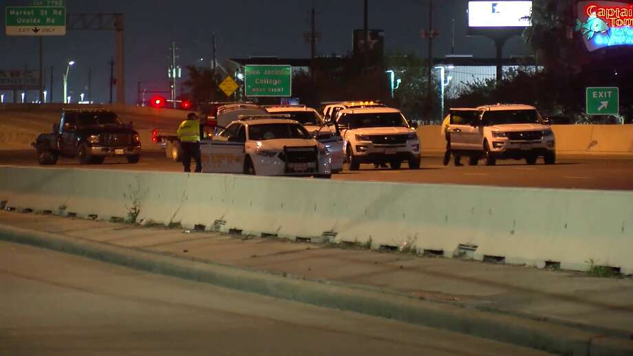 A woman attempting to cross East Freeway was struck and killed by multiple vehicles, Harris County investigators say. Photo: On Scene