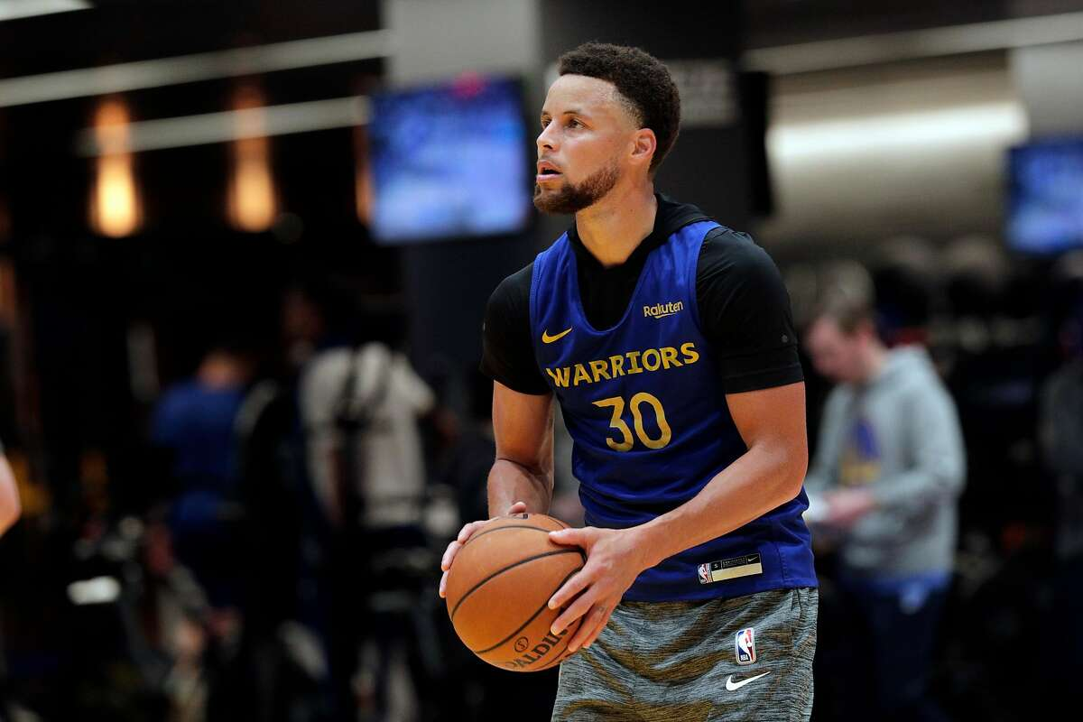 Stephen Curry shoots around during an off-day practice after being cleared to do full contact practices at Chase Center in San Francisco, Calif., on Saturday, February 22, 2020.