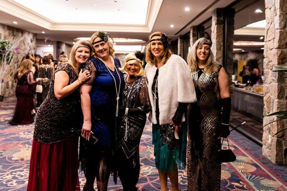Dozens of guests enjoy an evening of refreshments, dancing and socializing during the annual Mom Prom Saturday, Feb. 22, 2020 at Great Hall Banquet & Convention Center in Midland. (Cody Scanlan/for the Daily News) Photo: (Cody Scanlan/for The Daily News)