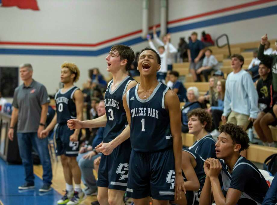 College Park guard Drew Calderon (3) and College Park guard Khi Watkins (1) are the top two leading scorers for the Cavaliers. Photo: Gustavo Huerta, Houston Chronicle / Staff Photographer / Houston Chronicle