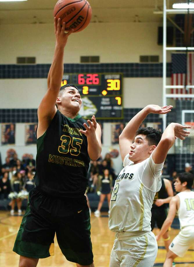 Bryan Garcia and Nixon open the postseason at 7:30 p.m. Tuesday against PSJA North. Photo: Danny Zaragoza /Laredo Morning Times / Laredo Morning Times